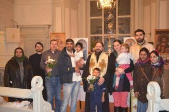 Slujire euharistică și filantropică cu prilejul sărbătoririi hramului parohiei românești din Uppsala, Suedia