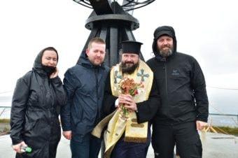 Părintele Episcop Macarie Drăgoi a înălțat Sfânta Cruce la Capul Nordului, Norvegia, punctul cel mai nordic al Europei