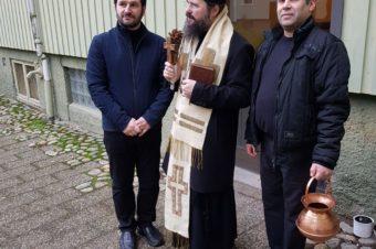 Casele românilor din Göteborg, împrospătate cu agheasma Bobotezei de Preasfințitul Părinte Episcop Macarie