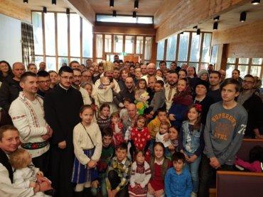"""PS Episcop Macarie Drăgoi, la Liturghia din Stavanger, Norvegia: """"Când ne aflăm pe scara nevoințelor nu trebuie să ne uităm în jos sau să întârziem prea mult la mijloc, fiindcă ne cuprinde confuzia sau amețeala"""""""
