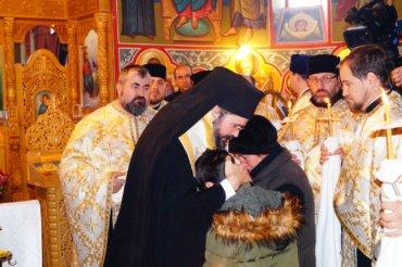 PS Episcop Macarie l-a înmormântat pe Gheorghe Hortolomei-Lupu, românul fără adăpost ucis în circumstanțe dramatice în Suedia