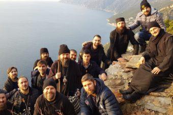 """PS Episcop Macarie în slujire arhierească la Schitul Prodromu din Muntele Athos  – """"Să ne reîmprospătăm și să ne reîntinerim sufletul prin roua pocăinței"""""""